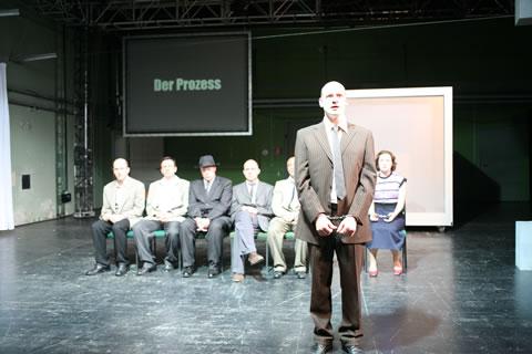 Das 11. Gebot, ein Stück über die Gladowbande 2007 im Theater an der Parkaue, Foto: Christian Brachwitz