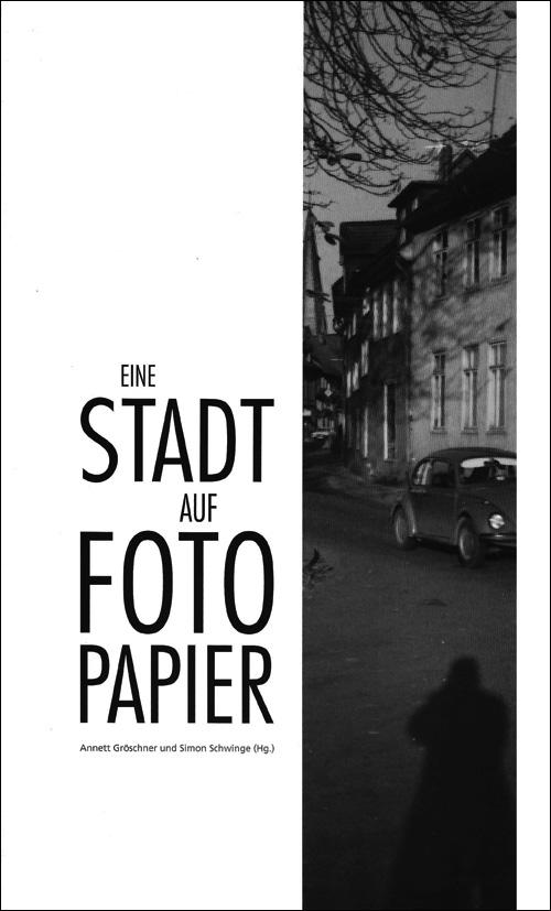 Cover Eine Stadt auf Fotopapier